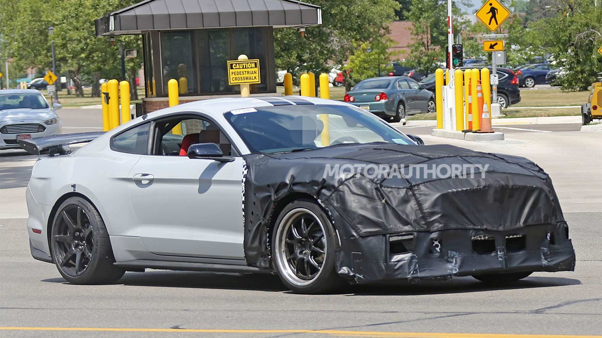 50 The 2019 The Spy Shots Ford Mustang Svt Gt 500 Price And Release Date
