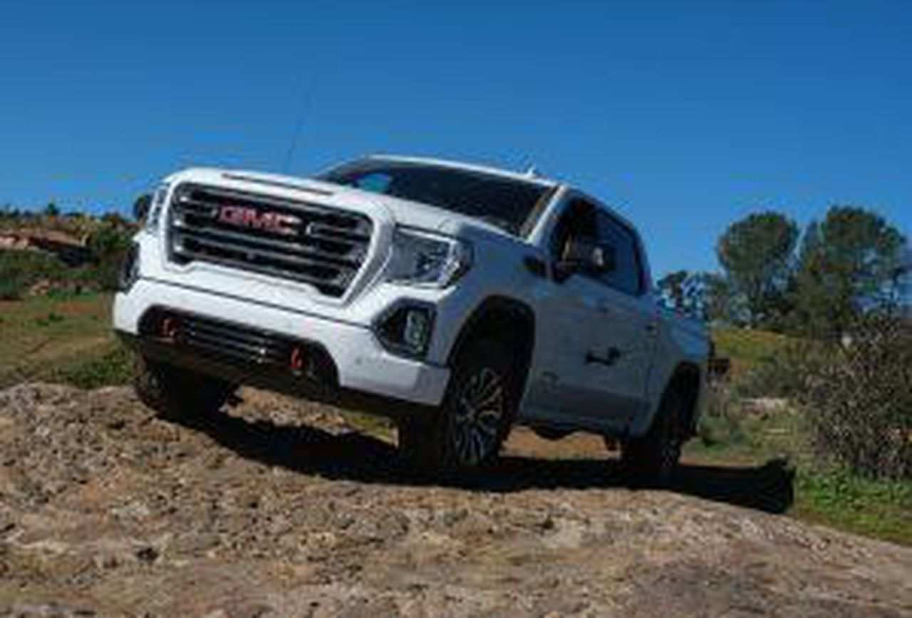 51 New 2019 GMC Envoy Research New