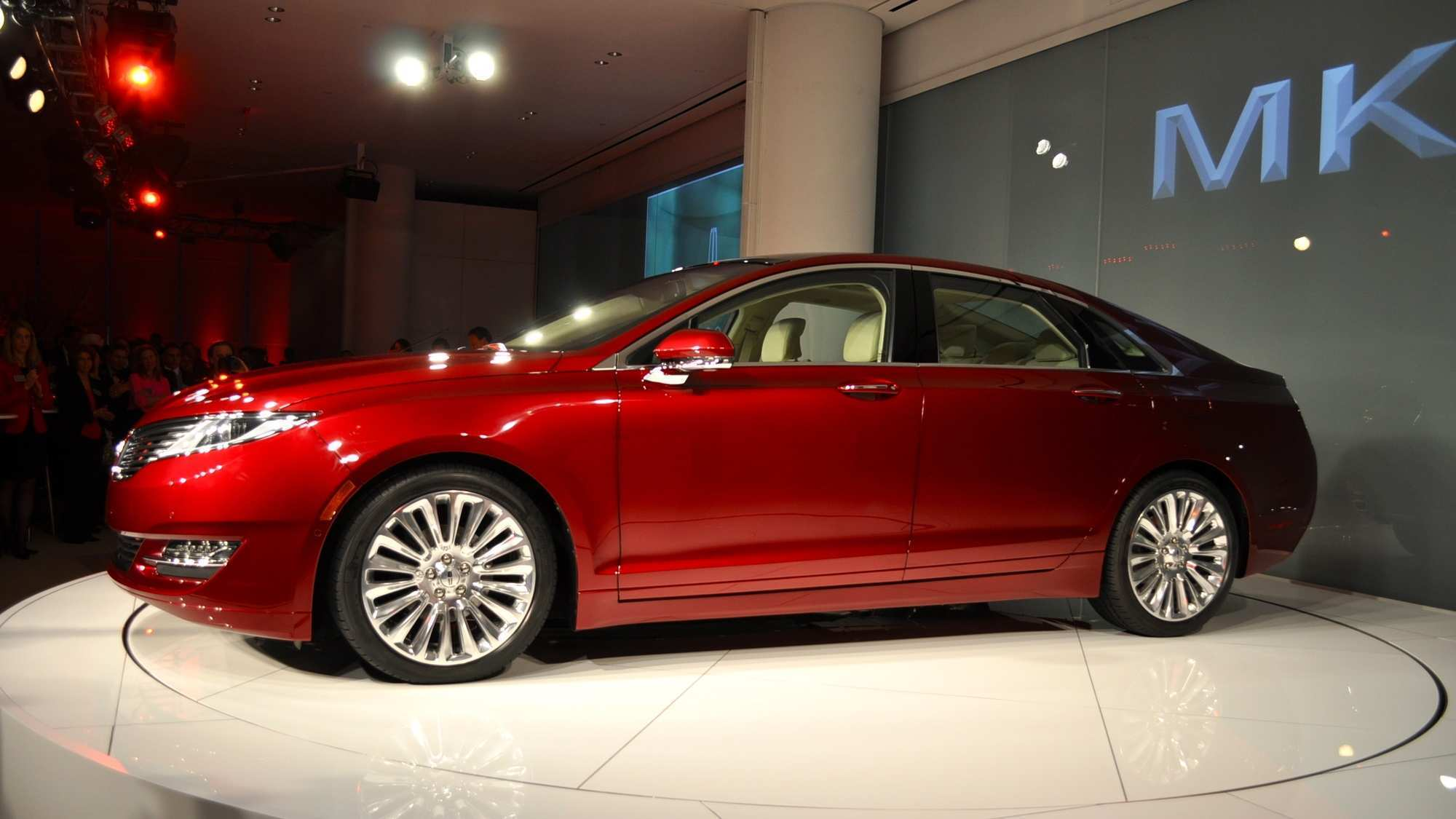 51 The Spy Shots Lincoln Mkz Sedan New Model And Performance