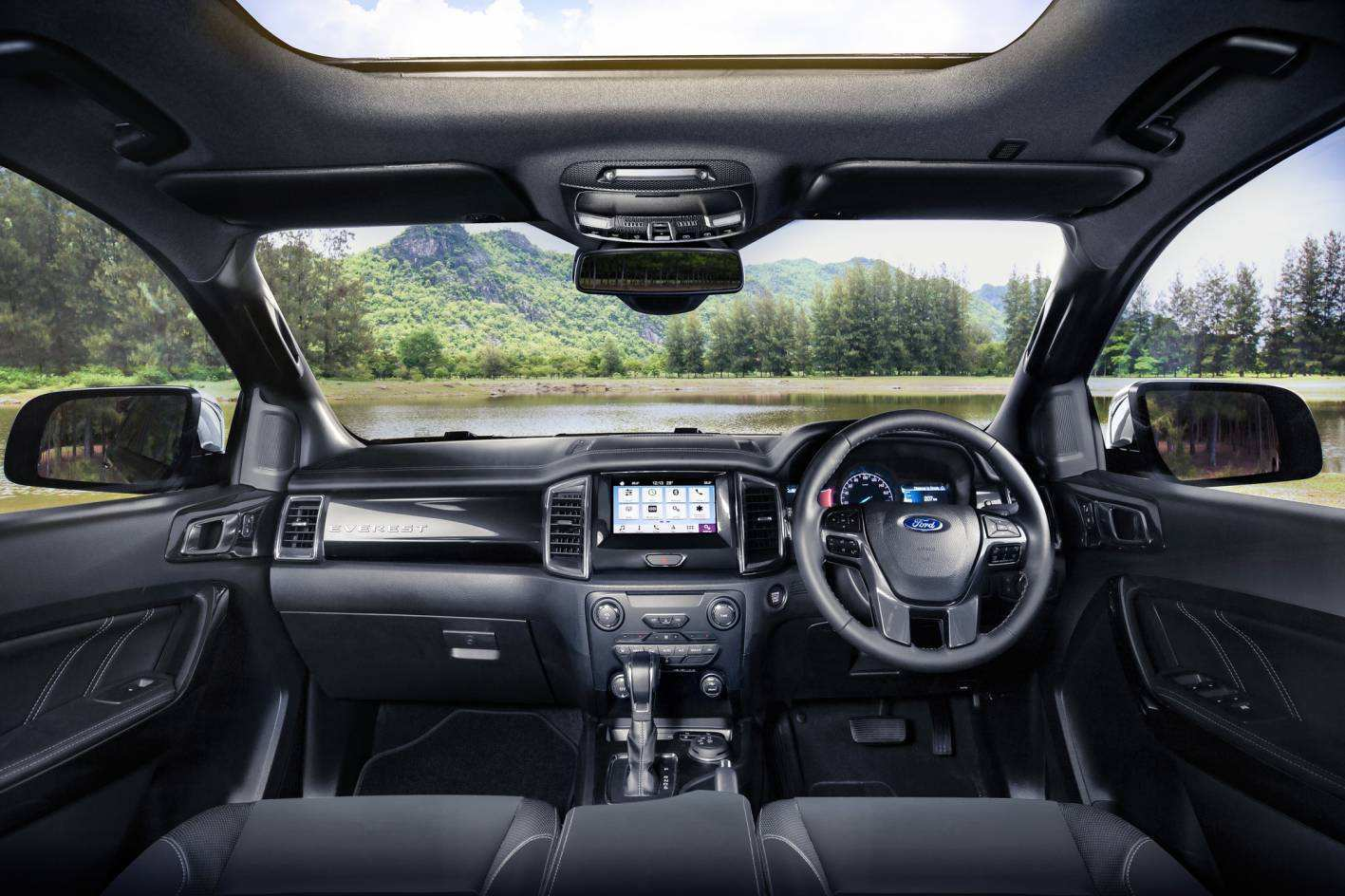 52 A 2019 Ford Everest Picture