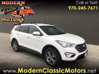 53 A 2020 Hyundai Santa Fe Photos