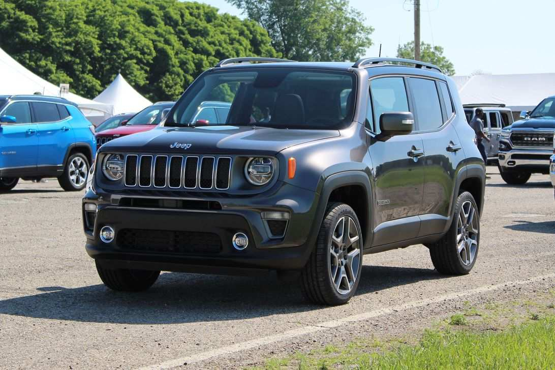 55 A 2019 Jeep Renegade Interior