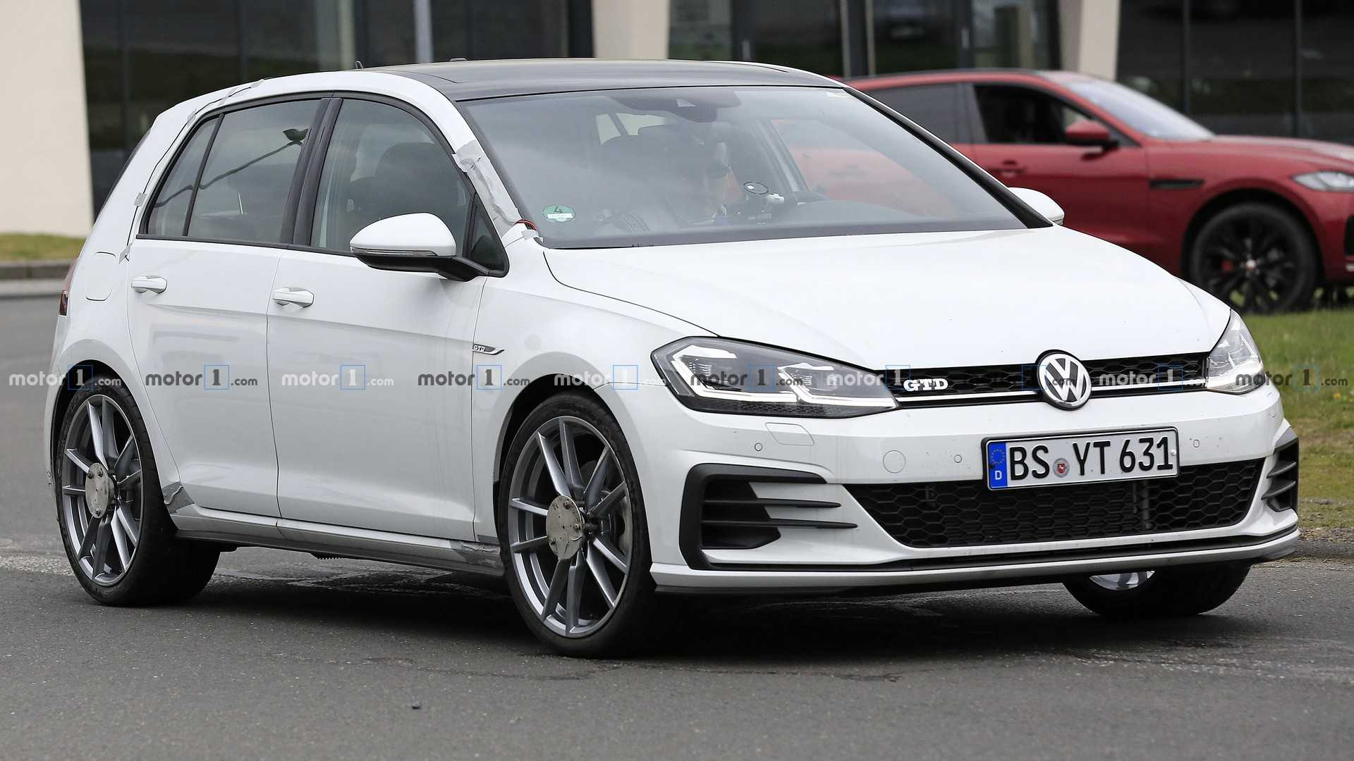 55 The 2019 Volkswagen Golf GTD Style