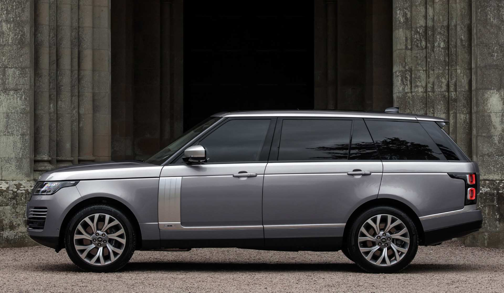 56 A 2020 Range Rover Sport Release