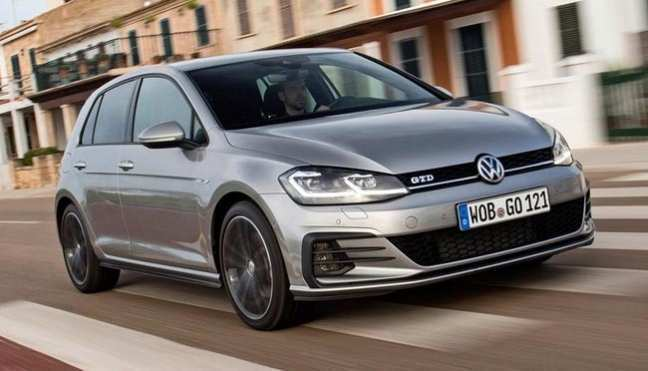 56 The 2019 Volkswagen Golf GTD Spy Shoot