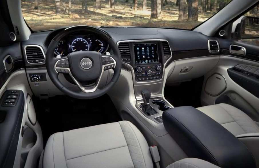 57 A 2020 Jeep Grand Cherokee Interior Photos