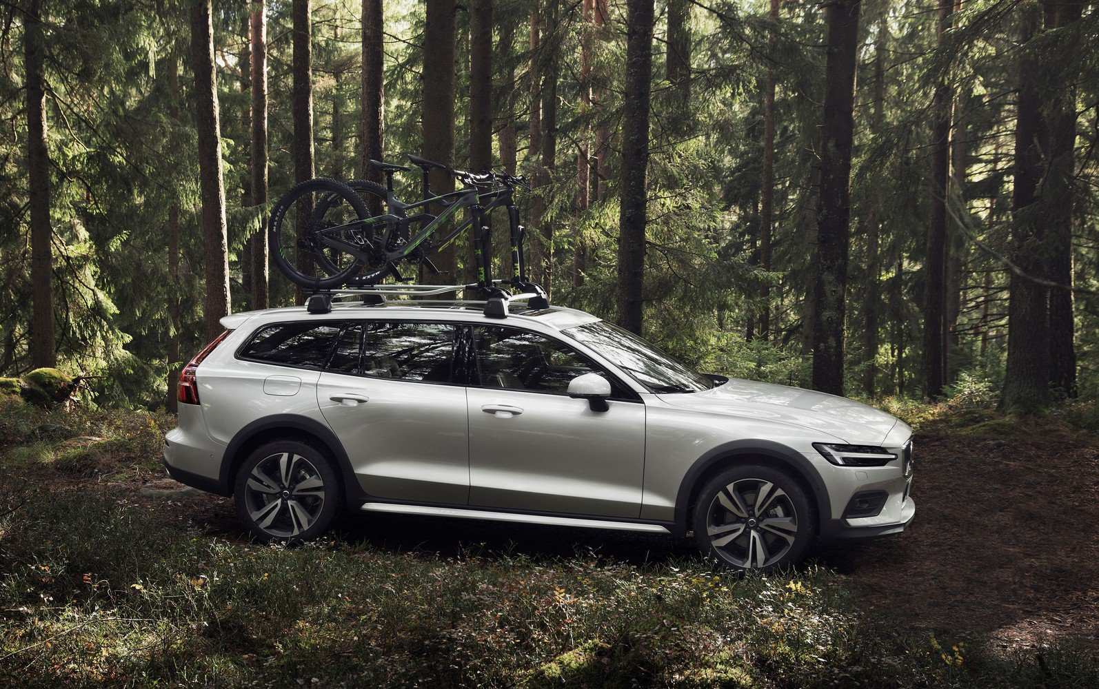 57 New Volvo 2019 V60 Cross Country First Drive