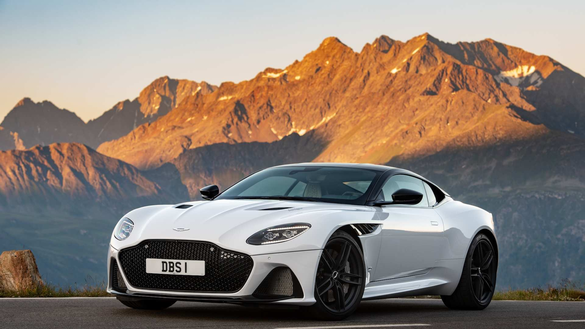 59 A 2020 Aston Martin DB9 Ratings