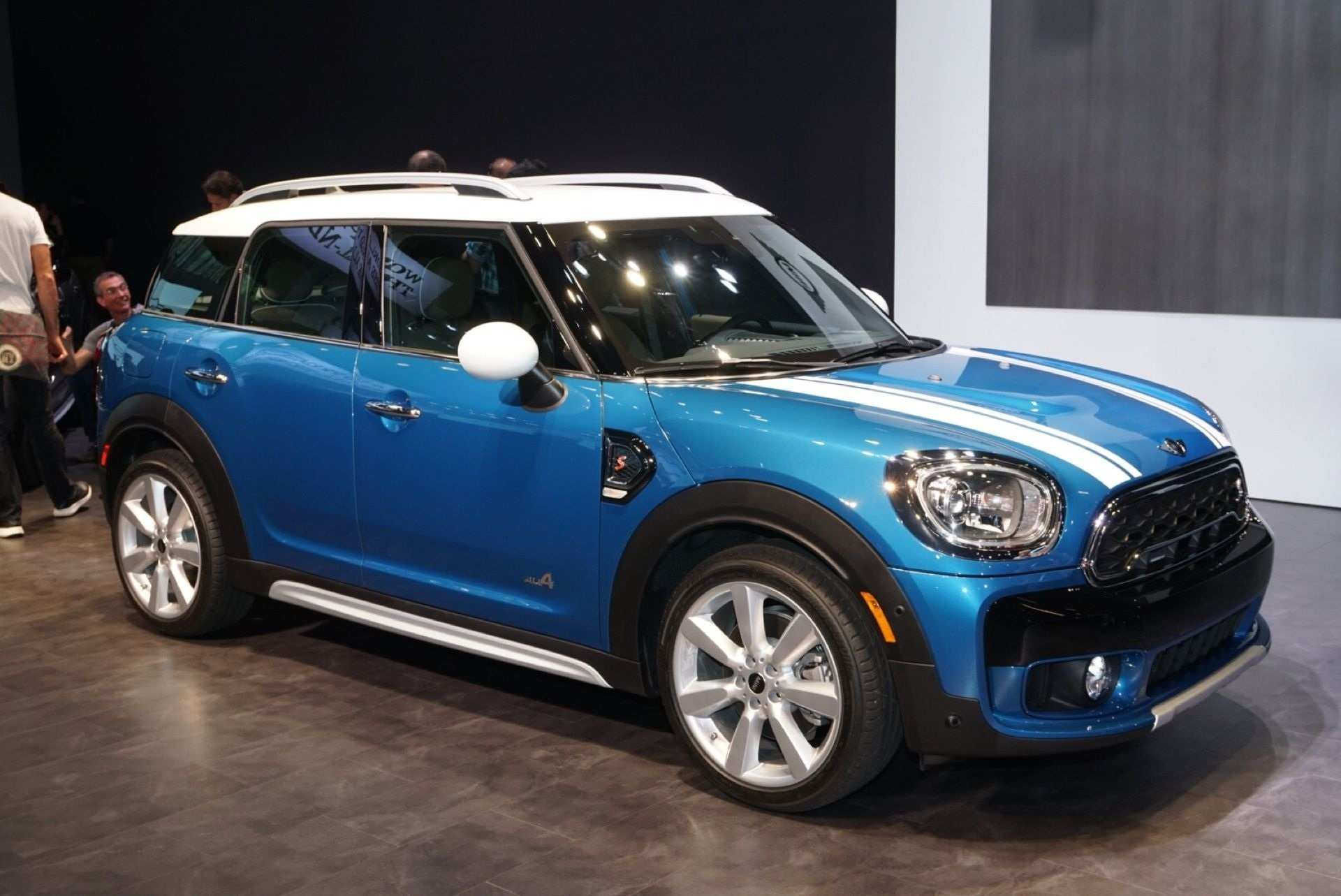 59 A 2020 Mini Countryman Pictures