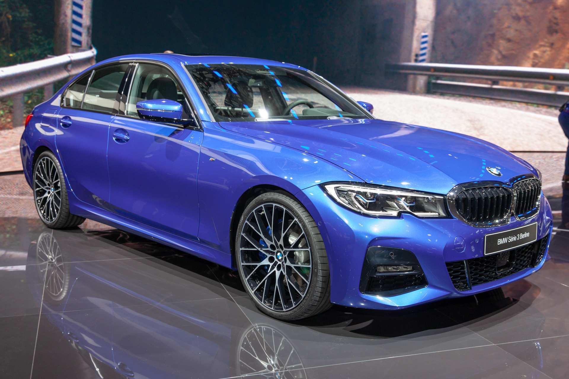 60 All New 2019 BMW 3 Series Picture