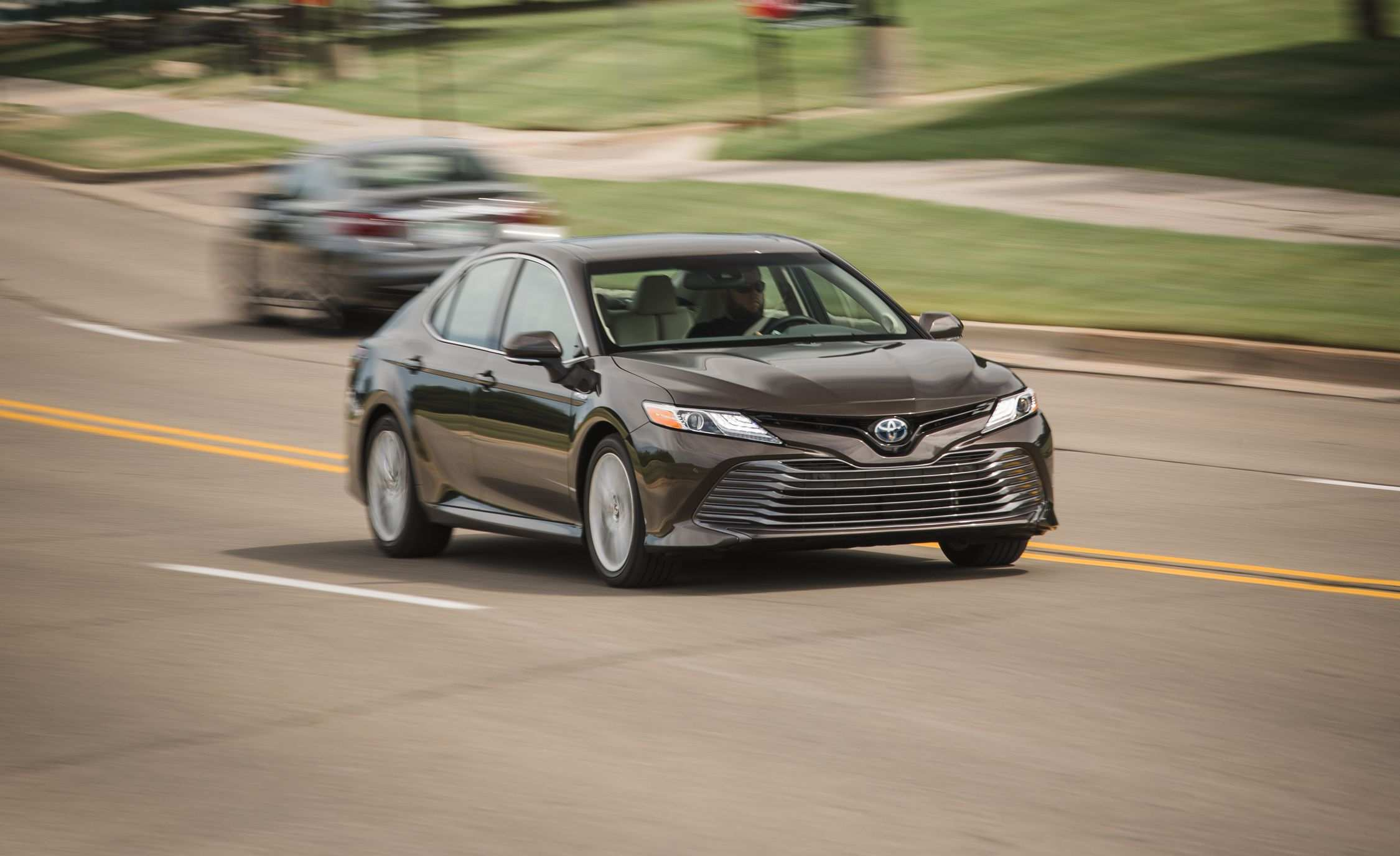 60 All New 2019 Toyota Camry Se Hybrid Picture