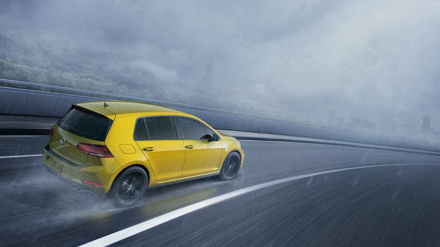 61 A 2019 VW Golf R USA Price And Review