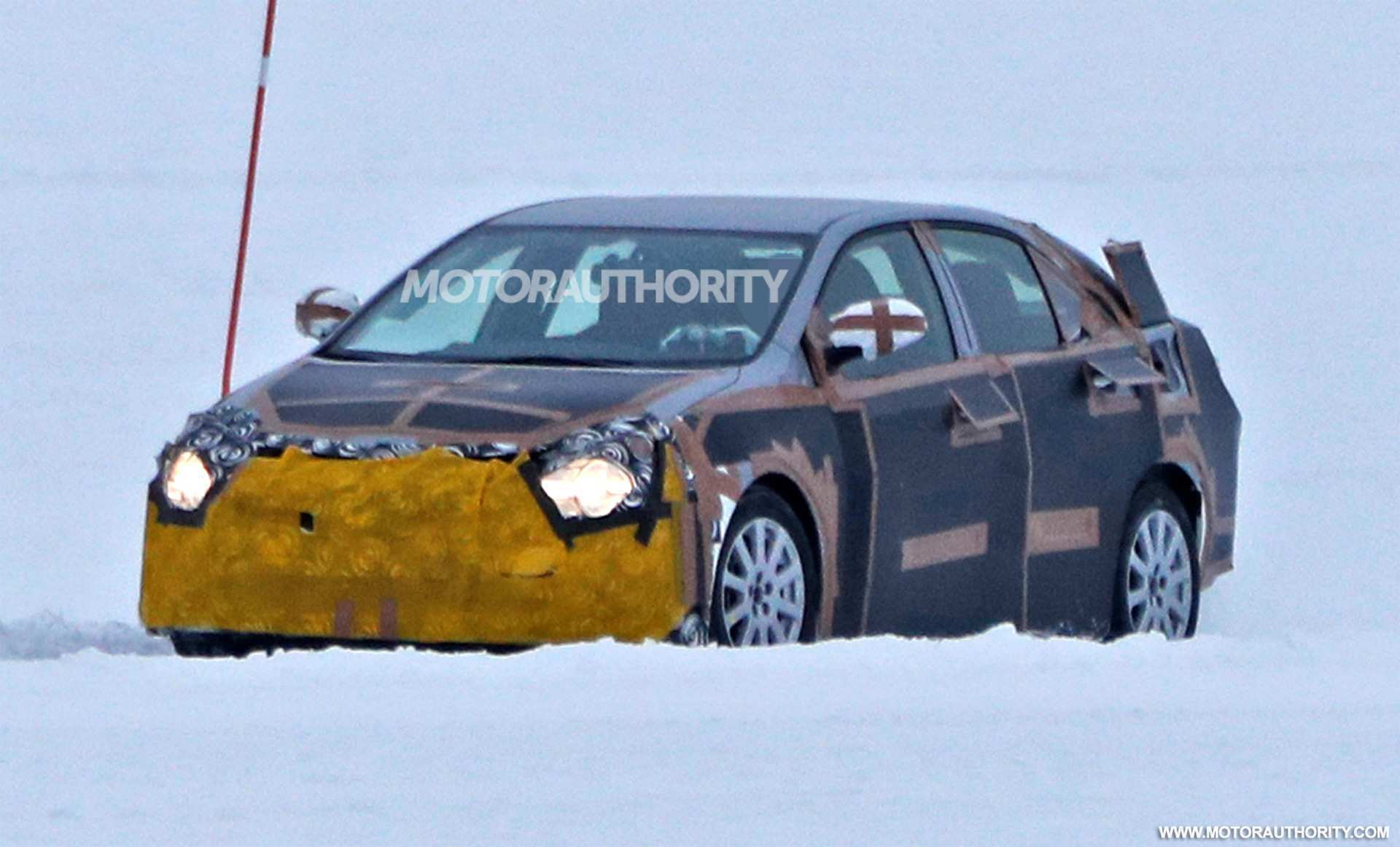 61 A 2020 New Toyota Avensis Spy Shots Picture
