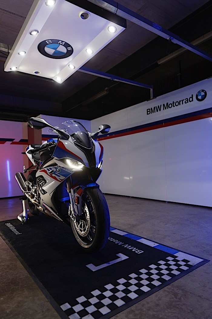 61 A BMW S1000R 2020 Spesification
