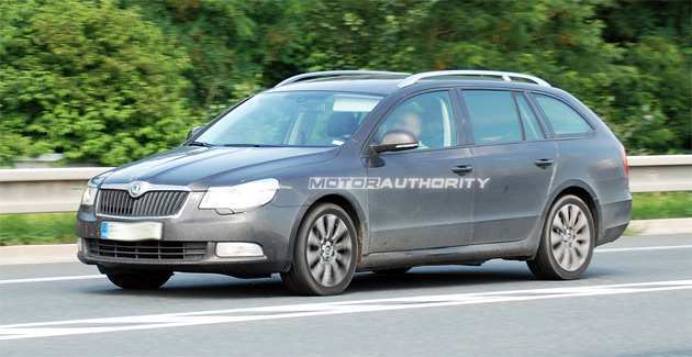 61 New Spy Shots Skoda Superb Spy Shoot