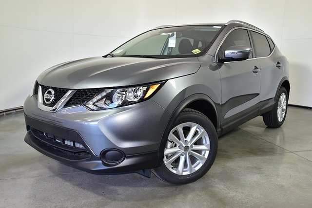 62 A 2019 Nissan Rogue Images