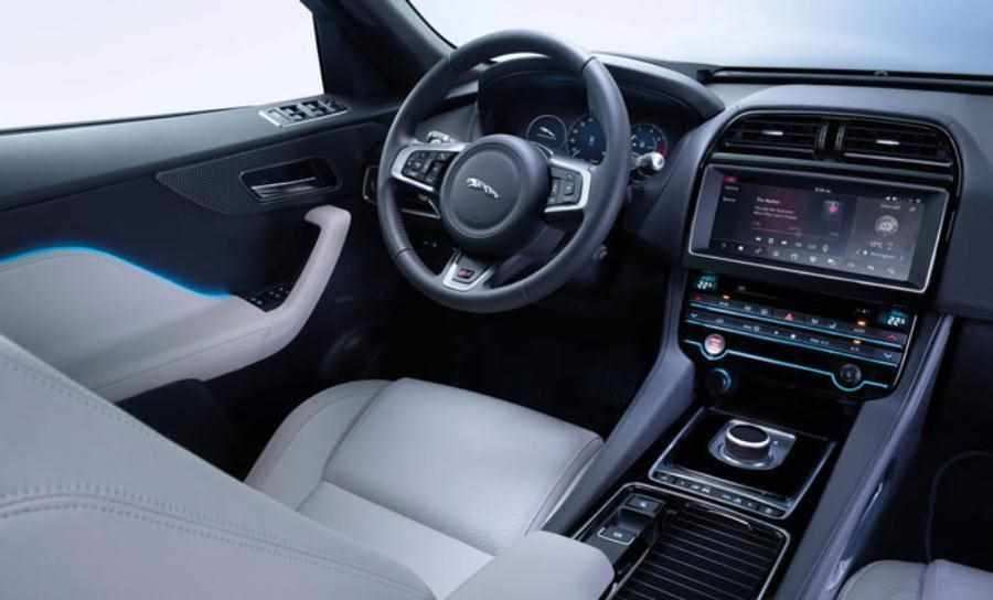 62 A Jaguar F Pace 2020 Interior Overview