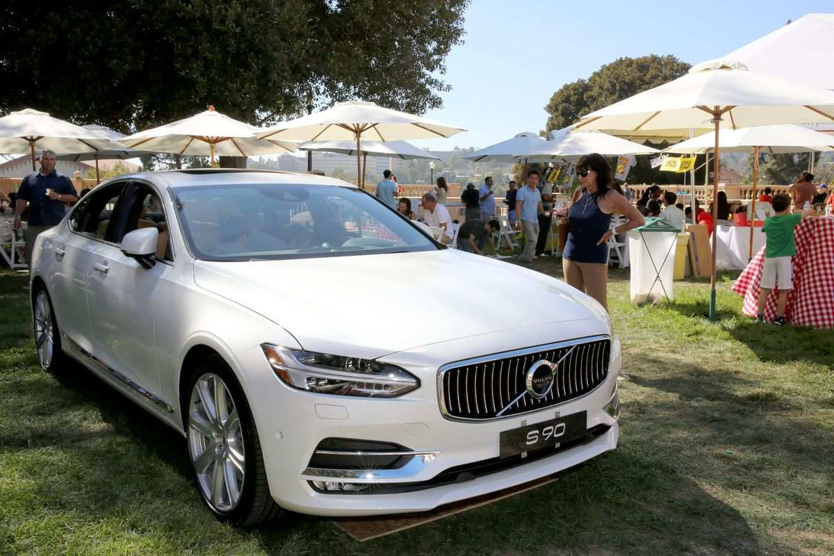 62 A Volvo Electric Vehicles 2019 New Review