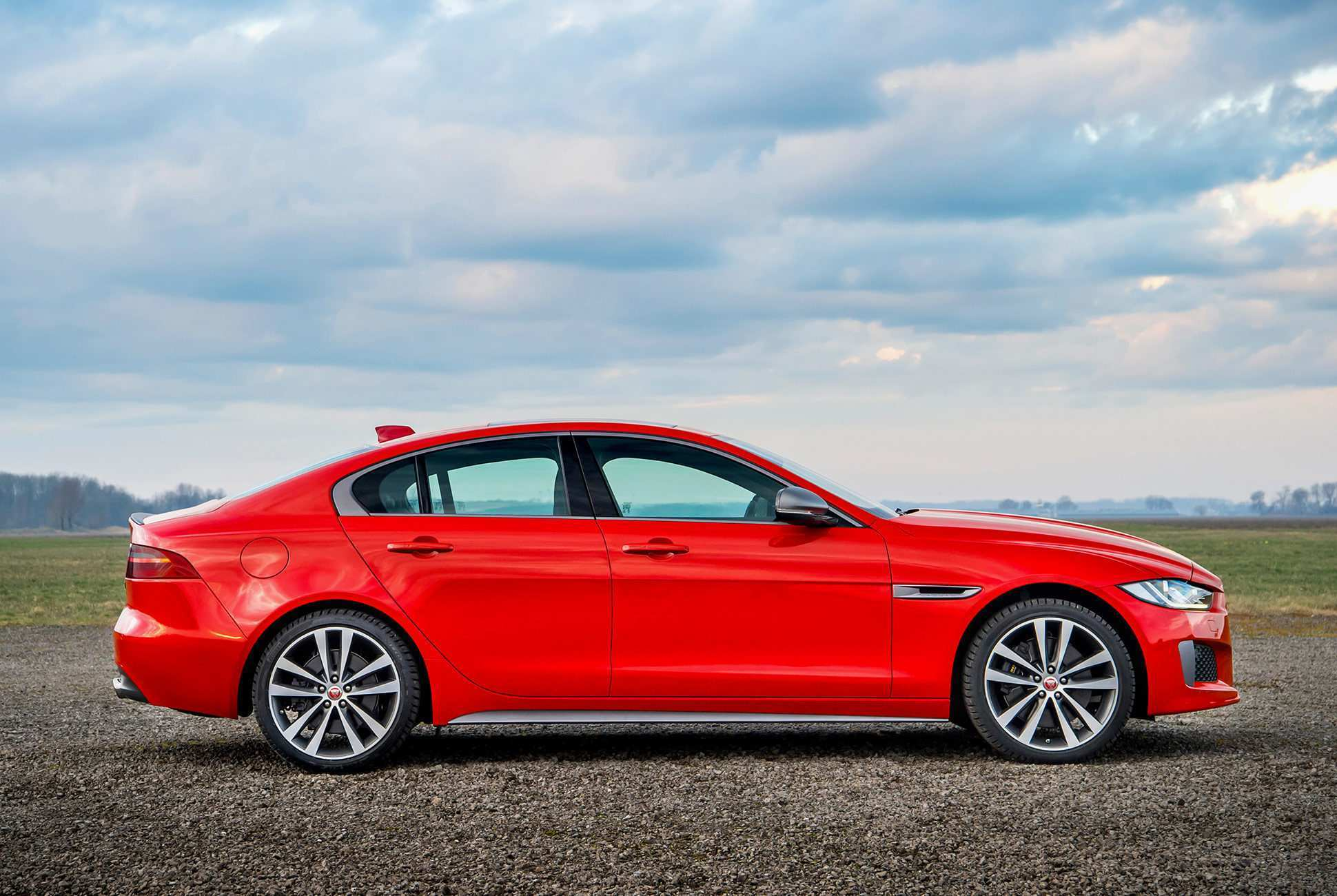 62 The 2019 Jaguar XE Performance And New Engine