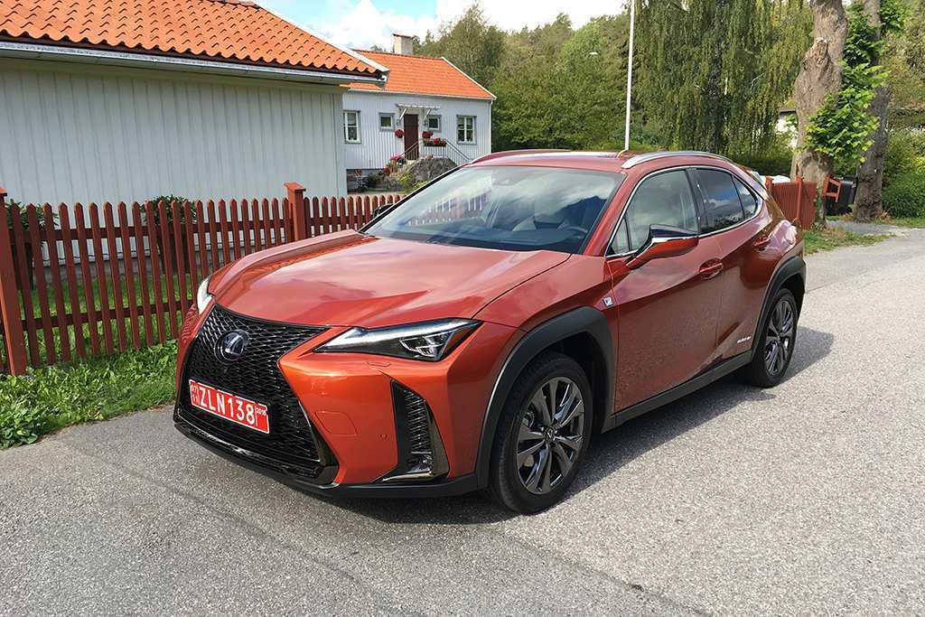 64 The Lexus 2019 Review Spy Shoot