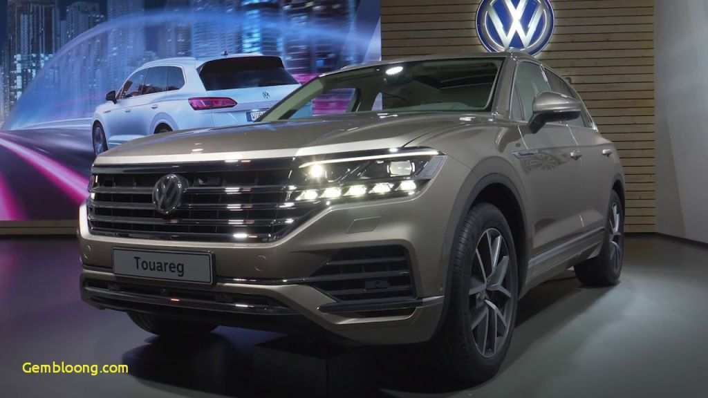 65 A 2020 Volkswagen Touareg Photos