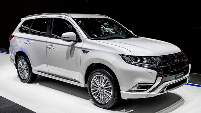 65 A Mitsubishi Plug In Hybrid 2020 Pictures