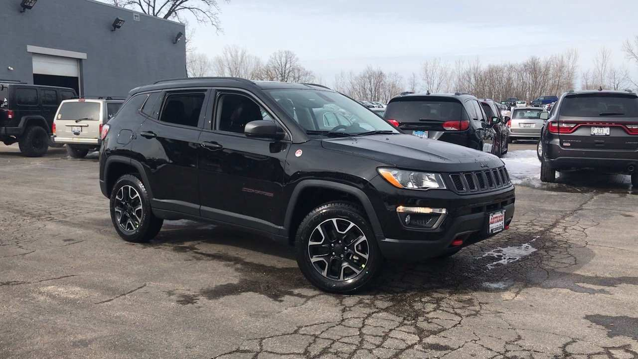 65 New 2019 Jeep Trail Hawk Exterior