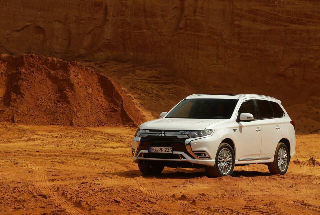 65 New Mitsubishi Outlander Plug In Hybrid 2020 Redesign And Review
