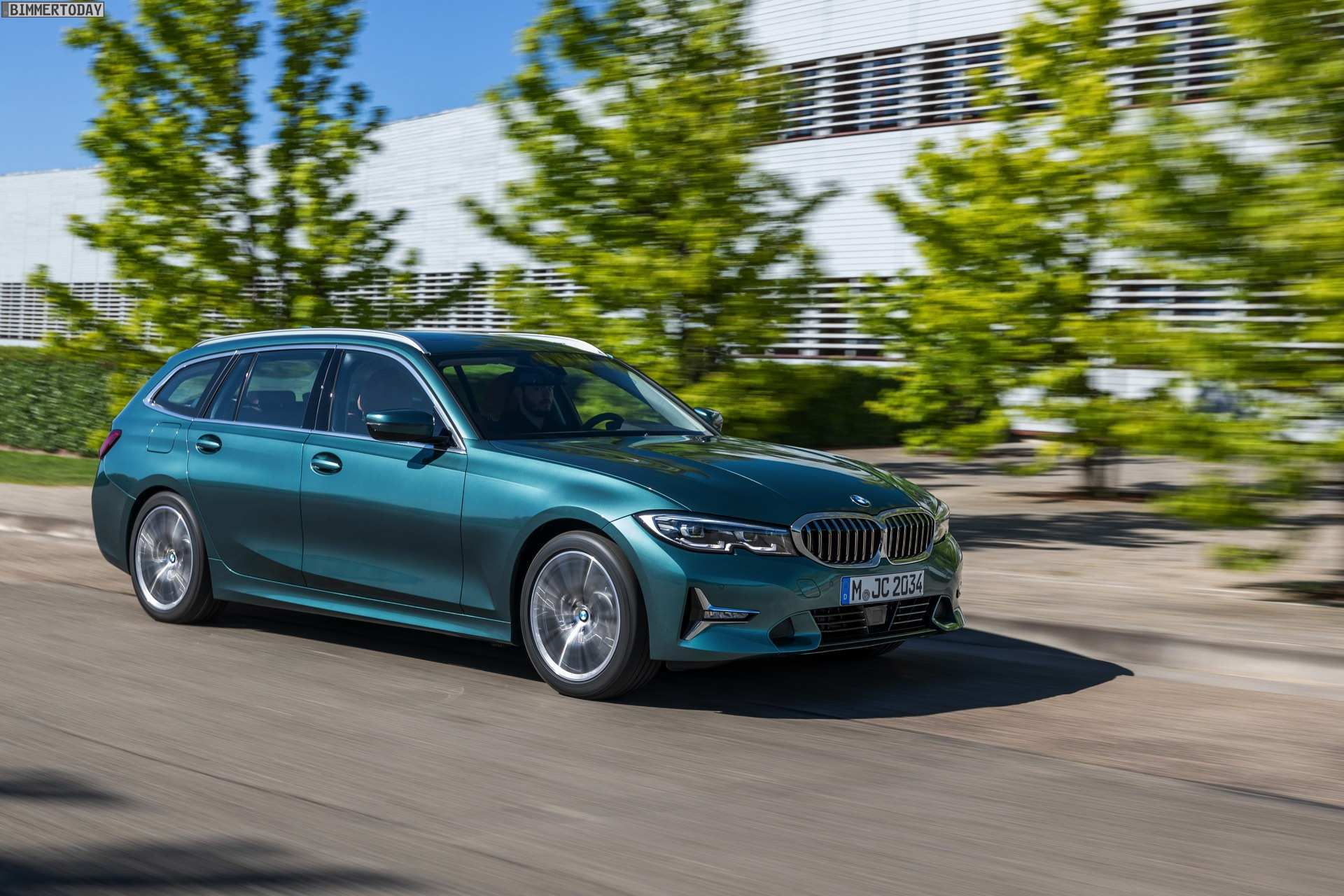 65 The BMW Plug In Hybrid 2020 Speed Test