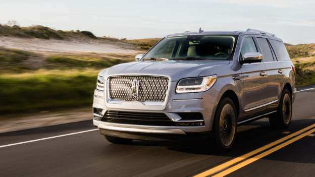 67 A 2019 Lincoln Navigator Images