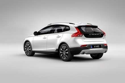 67 A Volvo 2019 V40 Spy Shoot