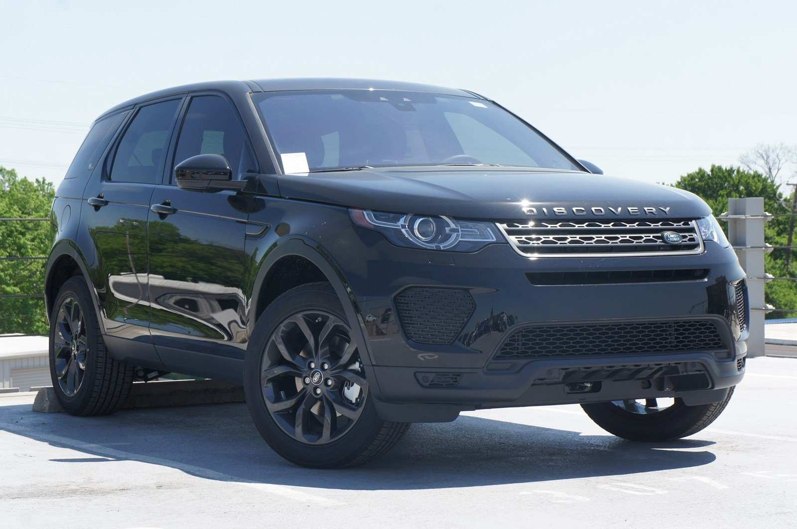 67 The 2019 Land Rover Discovery Sport Model