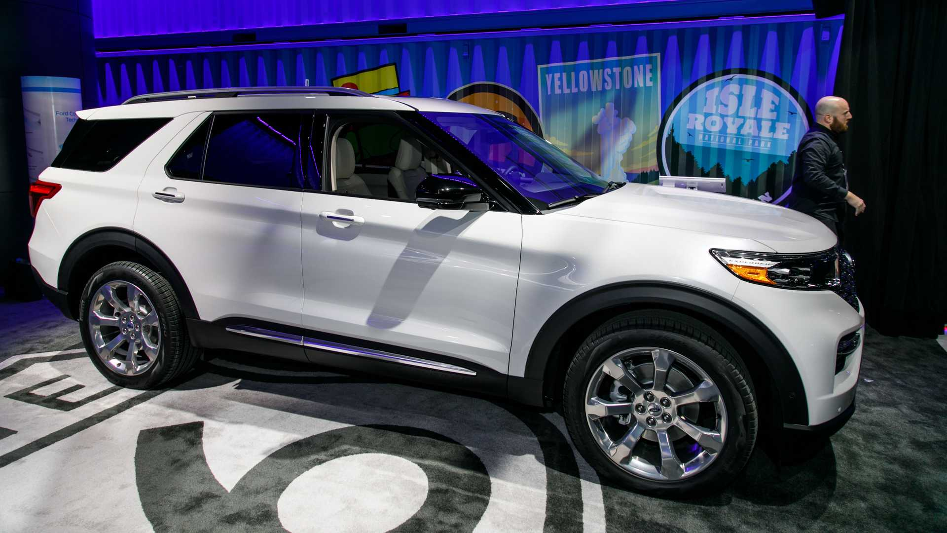 67 The 2020 Ford Explorer Sports Photos