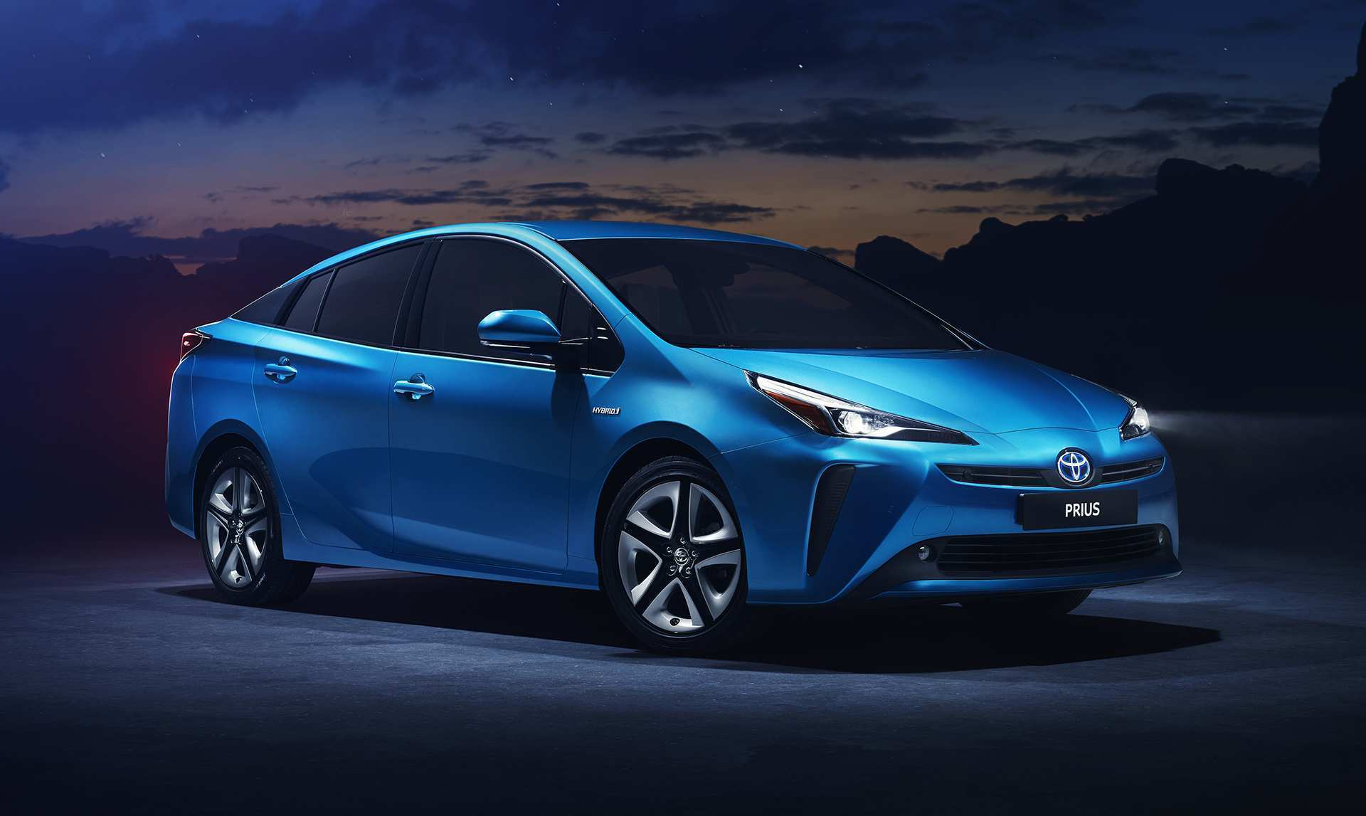68 A 2019 Toyota Prius Pictures Review And Release Date