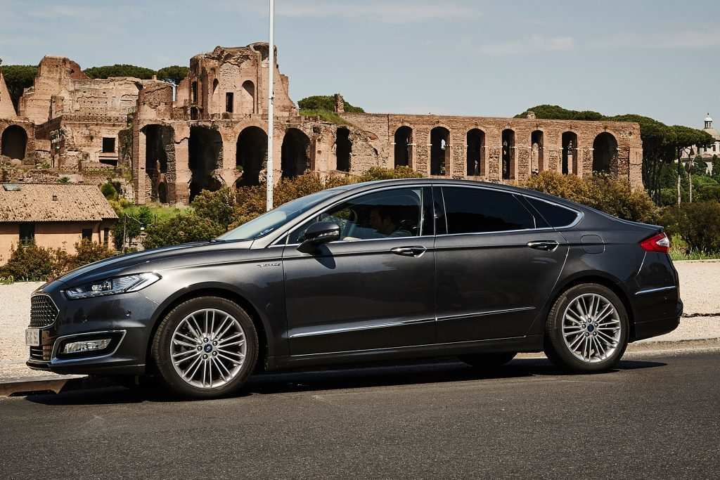 69 A 2020 Ford Mondeo Vignale Performance And New Engine