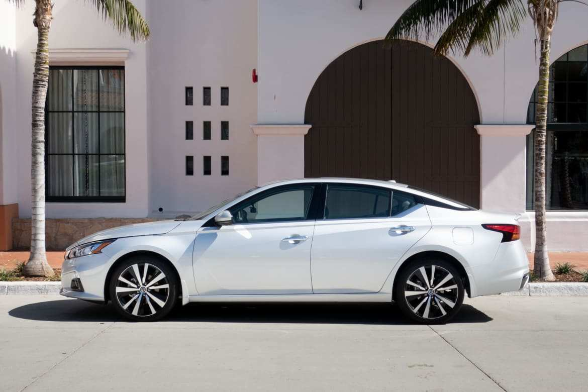 69 New 2019 Nissan Altima Photos