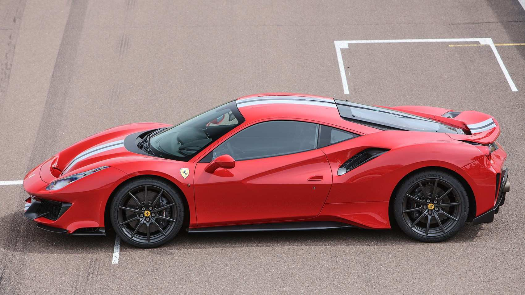 69 The Best 2019 Ferrari 488 Pista For Sale Performance And New Engine
