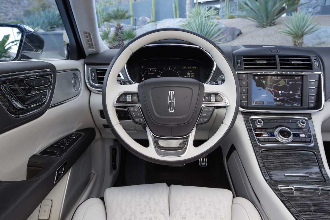 70 A 2020 Lincoln Continental Picture