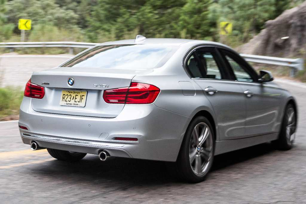 72 A 2019 BMW 3 Series Ratings