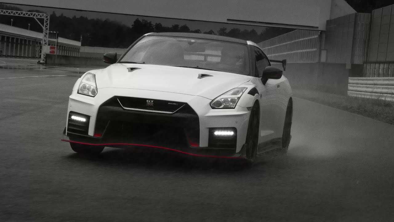 72 A 2020 Nissan GT R Style