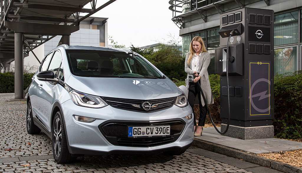 73 A 2019 Opel Ampera Spy Shoot