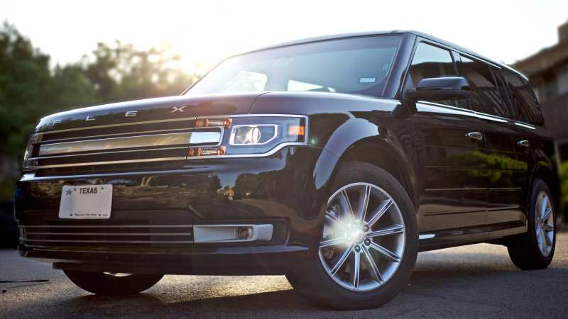 73 A 2020 Ford Flex Pictures