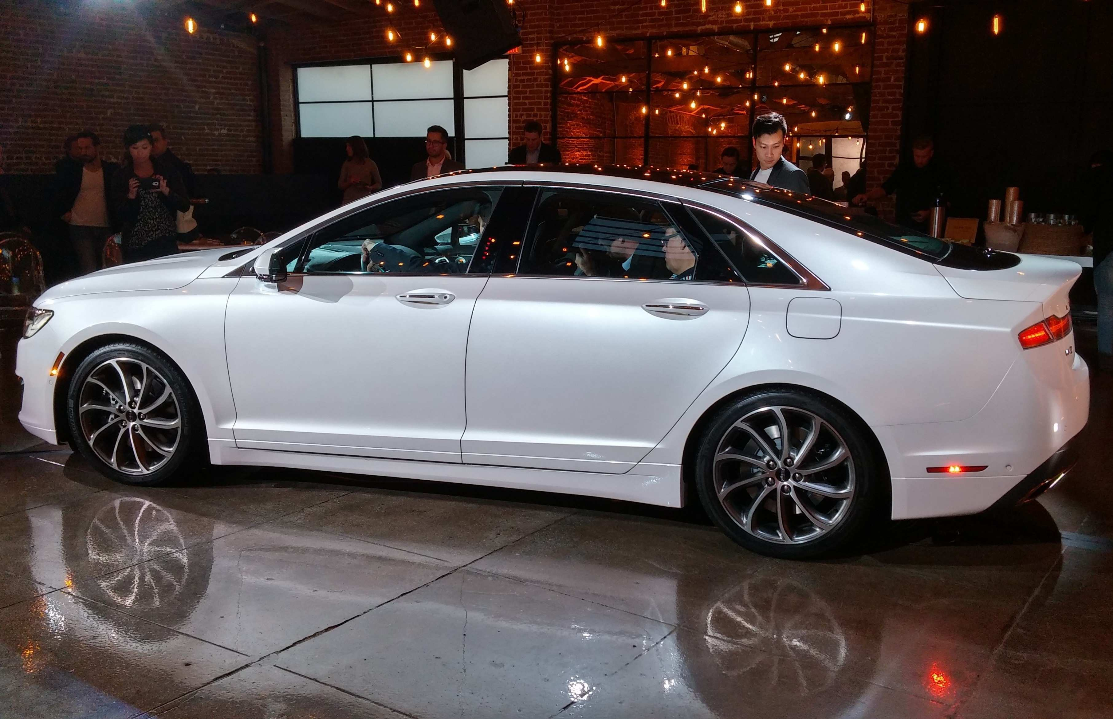 73 The 2020 Lincoln MKZ Picture