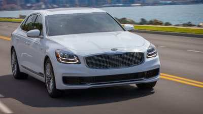 73 The K900 Kia 2019 Performance
