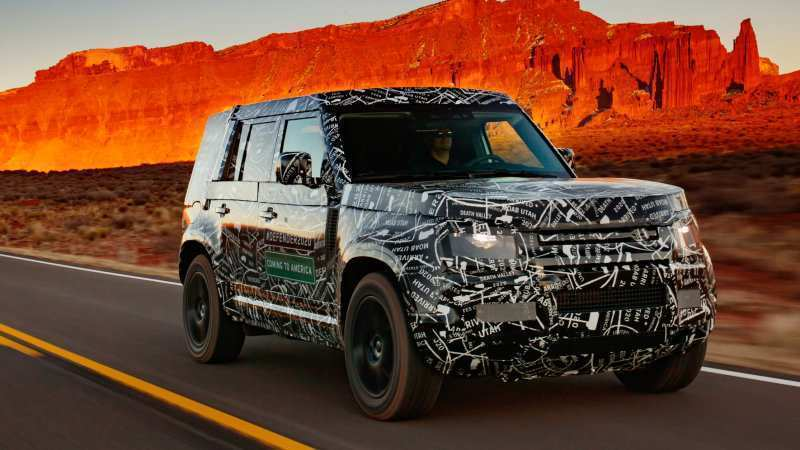 74 A 2020 Land Rover LR4 Photos
