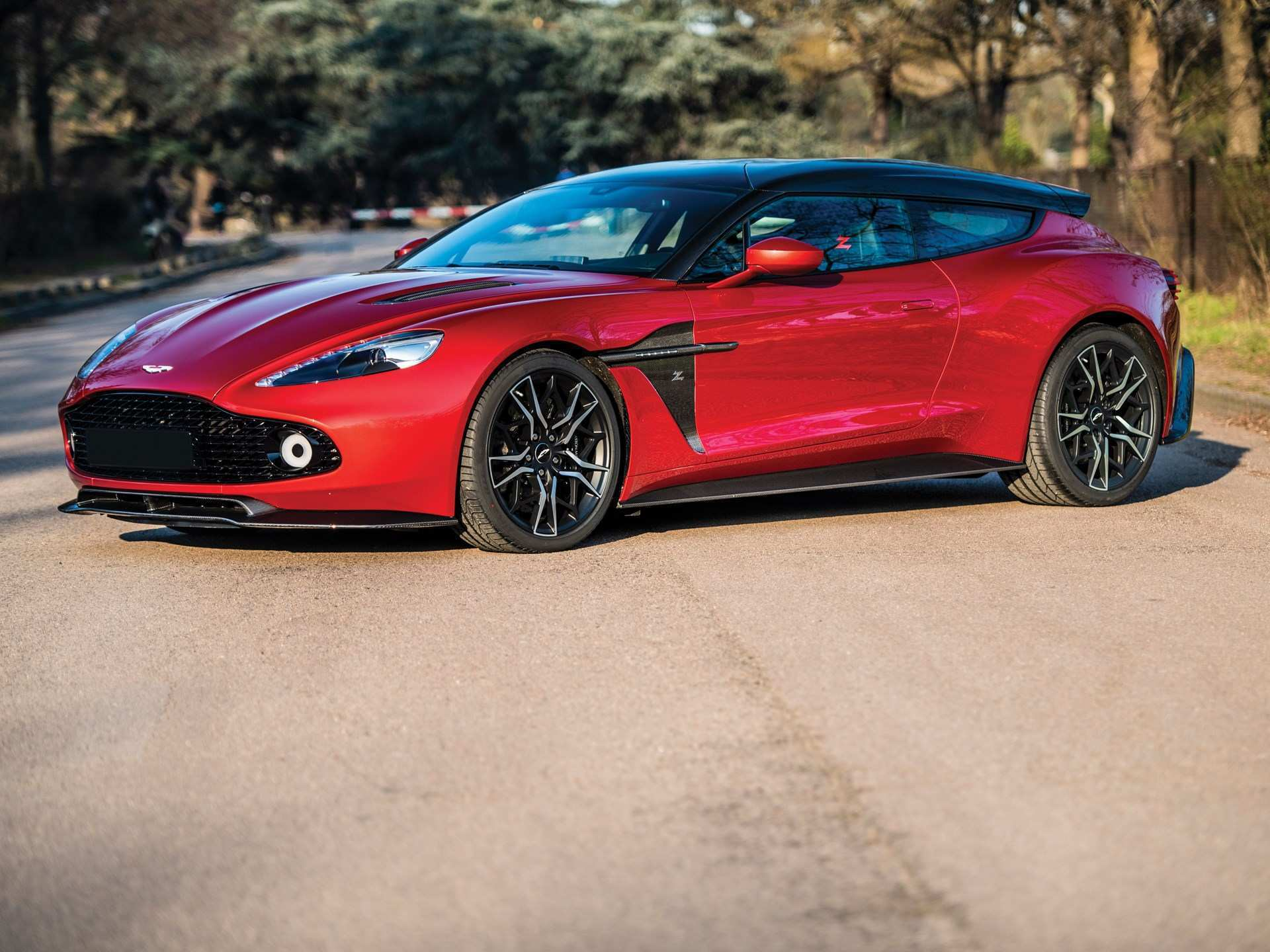 74 New 2019 Aston Martin Vanquish Performance And New Engine