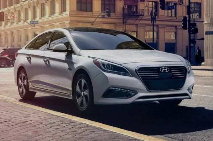75 The 2020 Hyundai Azera Pictures