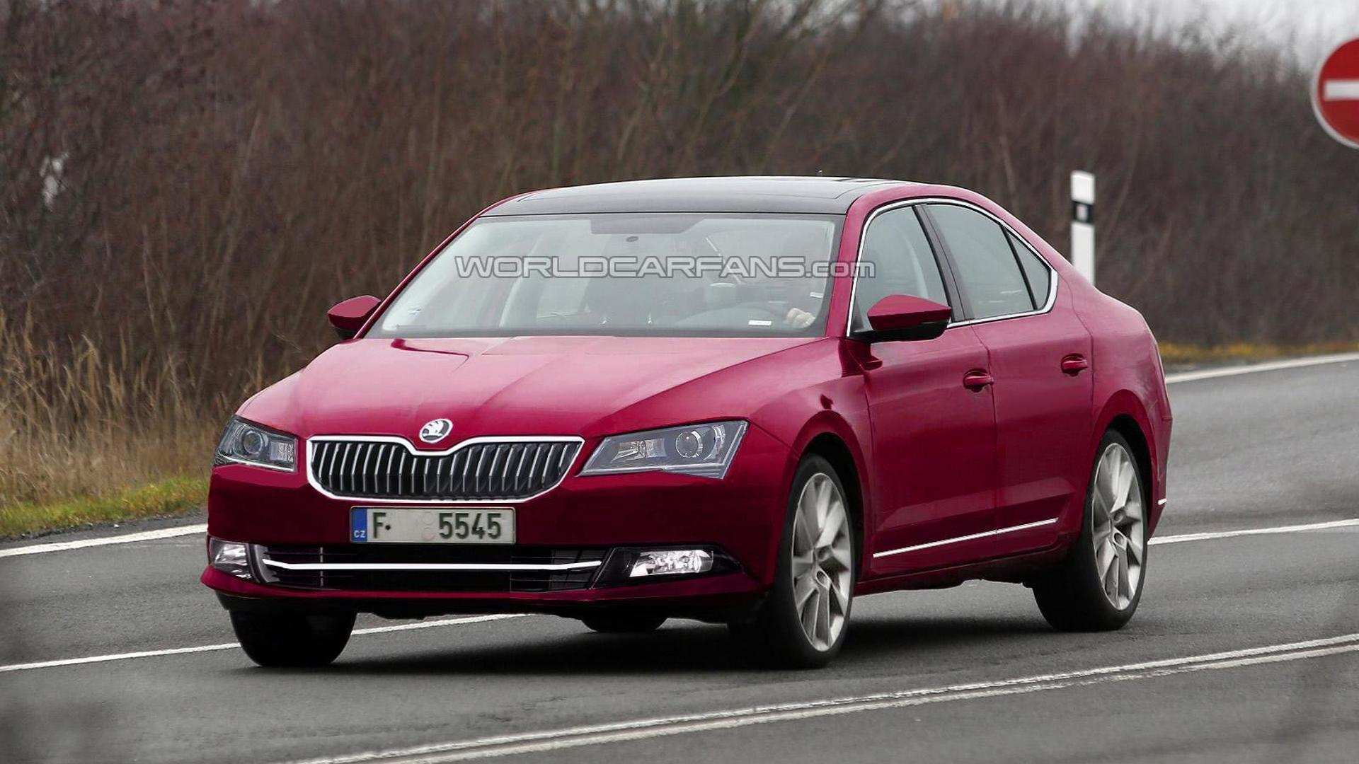 76 A Spy Shots Skoda Superb Model