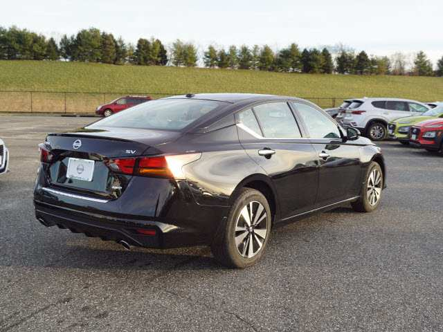 76 New Nissan Altima 2019 History