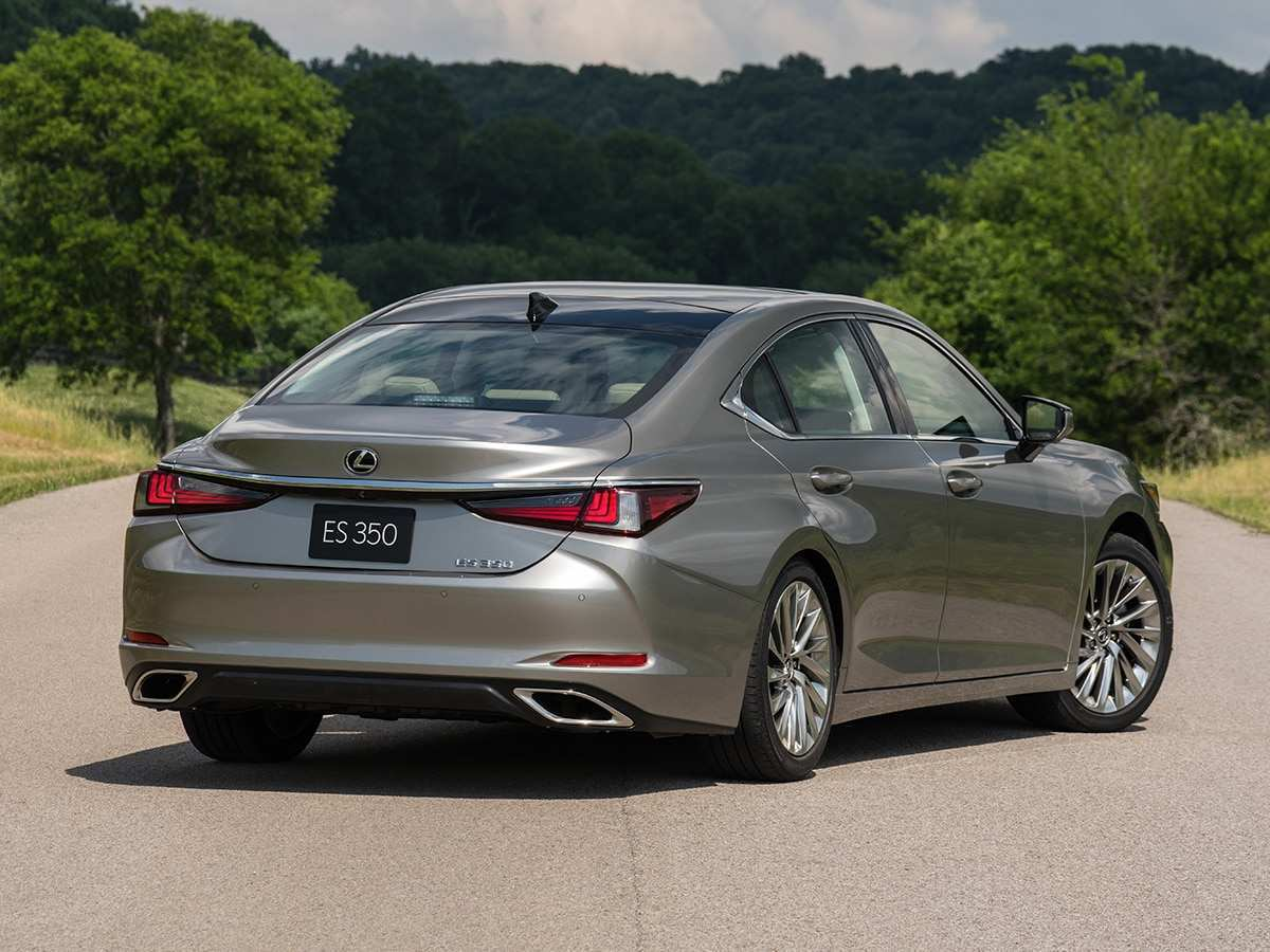 76 The 2019 Lexus ES Exterior